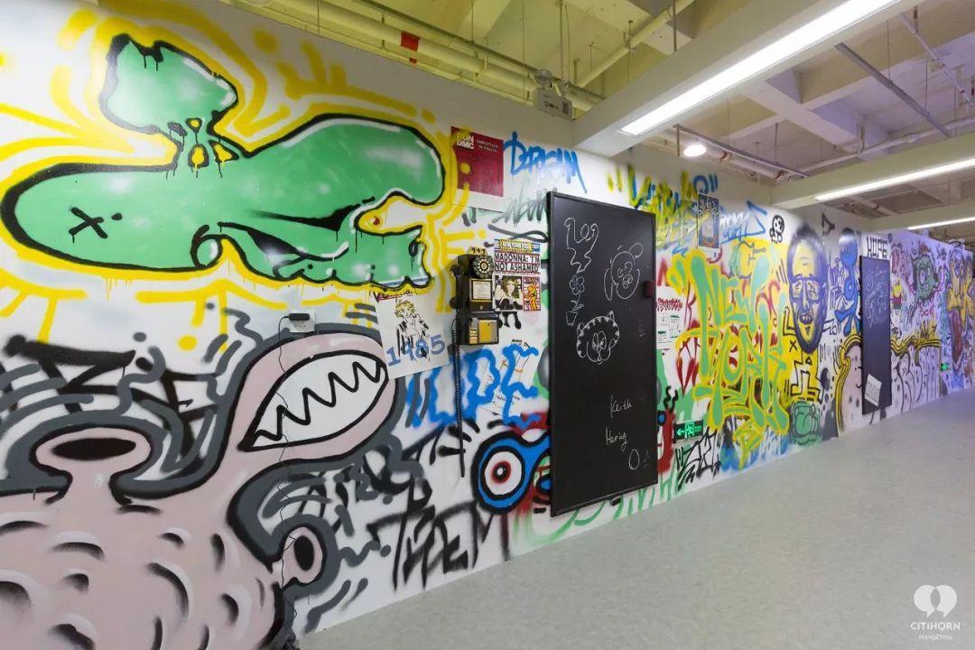 """大陆首展!涂鸦了全纽约墙的凯斯·哈林,终于""""涂""""到杭州了!(图22)"""