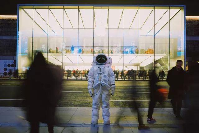 杭州街头惊现宇航员,NASA航天器穿越美帝来到杭州,整个太阳系都在你眼前!(图7)