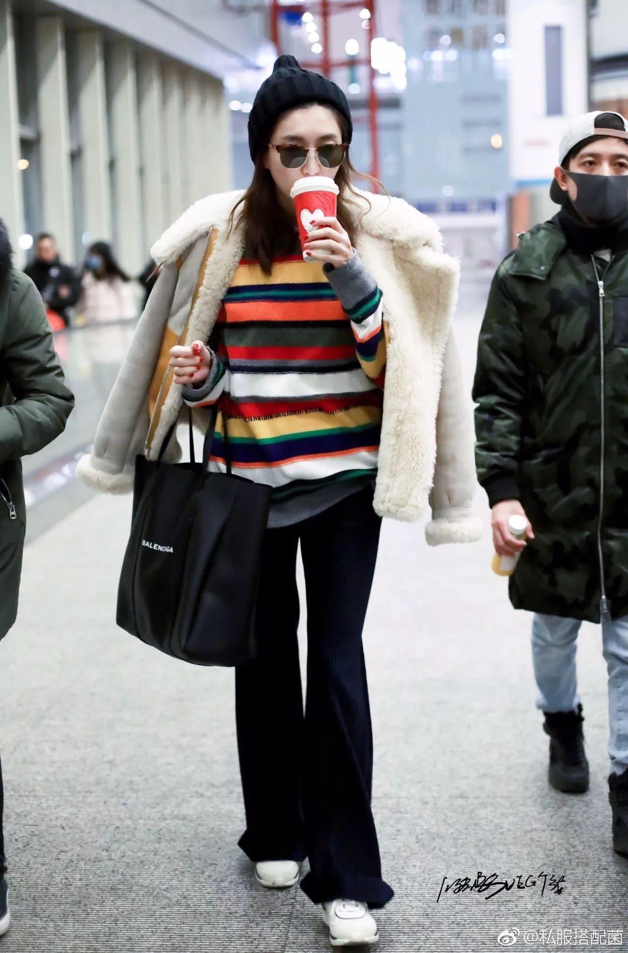 """时尚的完成度都看脸?每天都觉得没衣服穿?超市里就能买到的""""小蓝瓶""""能拯救整个冬日的衣橱!(图4)"""