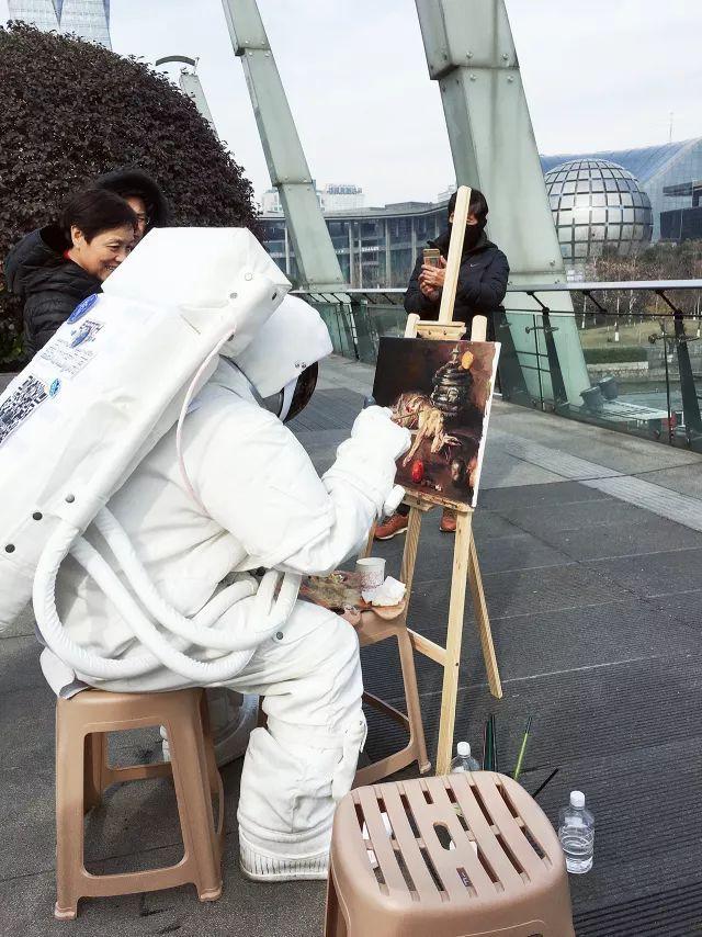 杭州街头惊现宇航员,NASA航天器穿越美帝来到杭州,整个太阳系都在你眼前!(图9)